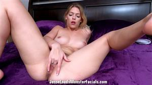 jesseloadsmonsterfacials-21-03-11-leah-lee.jpg