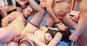 groupbanged-21-03-22-the-amateur-gangbang-whore.jpg