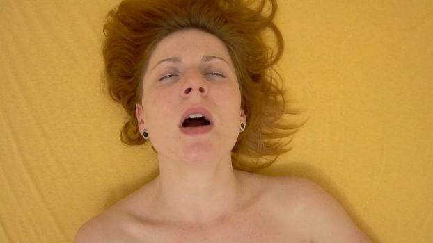 Czechav.com- Redhead squirts