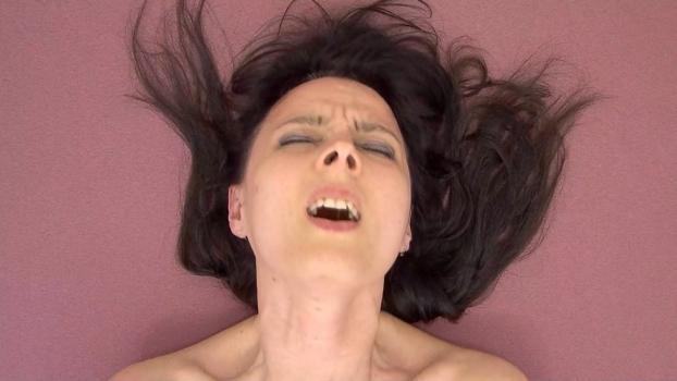 Czechav.com- Wild orgasm