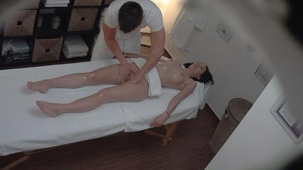 Czechav.com- Busty model on a massage