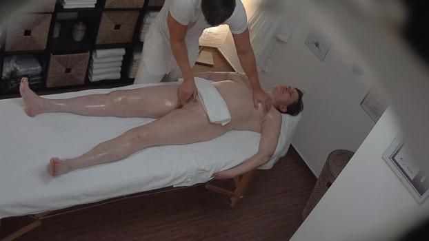 Czechav.com- Hairy MILF came for an erotic massage
