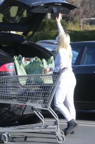 ariel-winter-in-a-white-jumpsuit-shopping-in-la-02-23-2021-1.jpg