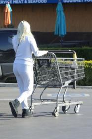 ariel-winter-in-a-white-jumpsuit-shopping-in-la-02-23-2021-2.jpg