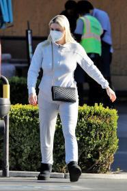 ariel-winter-in-a-white-jumpsuit-shopping-in-la-02-23-2021-9.jpg